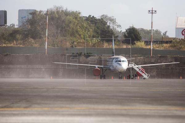 Hong Kong suspende vuelos desde India, Pakistán y Filipinas por cepa mutada