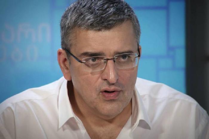 """El politólogo georgiano:  """"Moscú es capaz de resolver el asunto de minas con una solo llamada"""""""