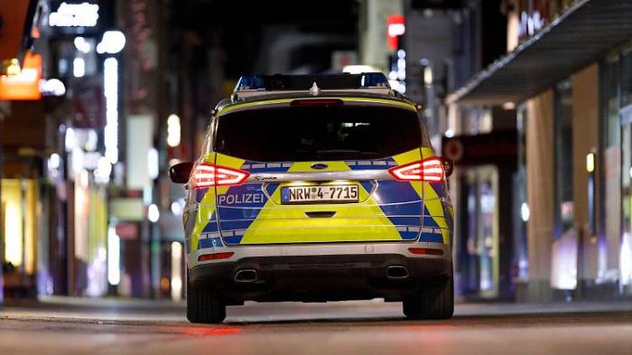 Kölner Polizei stürmt Mediziner-Party