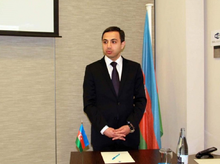 Azerbaiyán retira a su embajador en el Reino de España