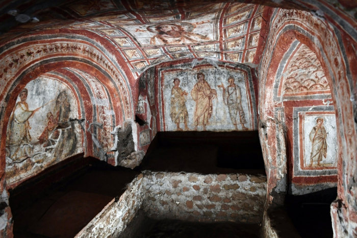 Different approaches to cultural heritage:   Azerbaijan restoring, Armenia destroying