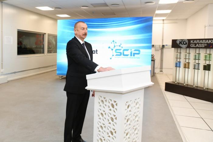 Aserbaidschanischer Präsident Ilham Aliyev eröffnet das Industrieviertel Hadschigabul