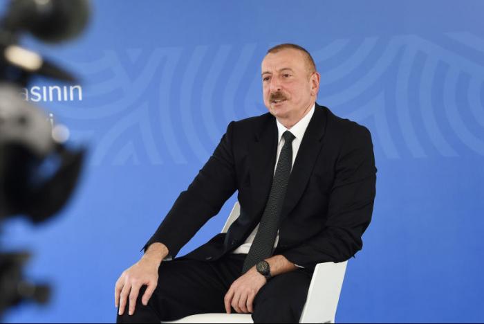 El presidente Ilham Aliyev concede una entrevista a la Televisión de Azerbaiyán - VIDEO