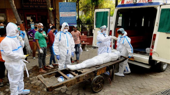 India reports over 2,000 coronavirus deaths in single day