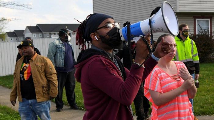 Police kill black teenage girl in Ohio