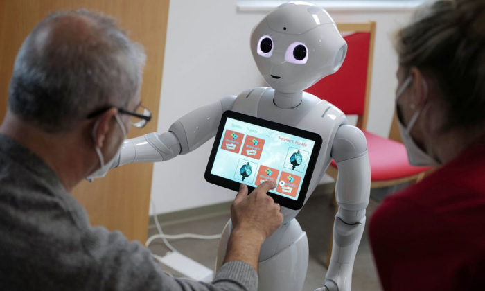 Study examines inner life of AI with robot that 'thinks' out loud