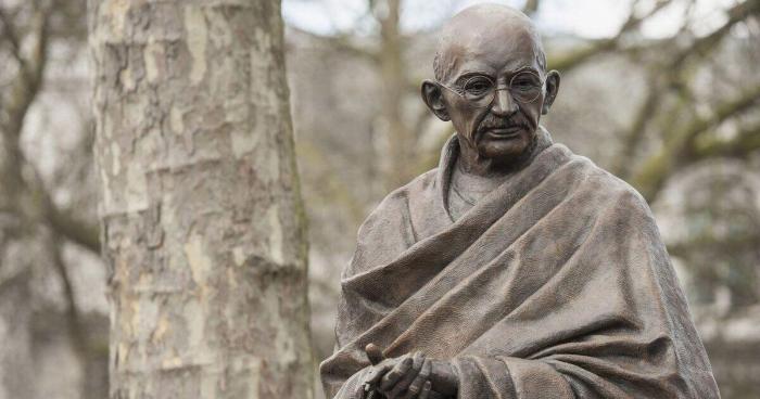 Why did Armenians desecrate Gandhi