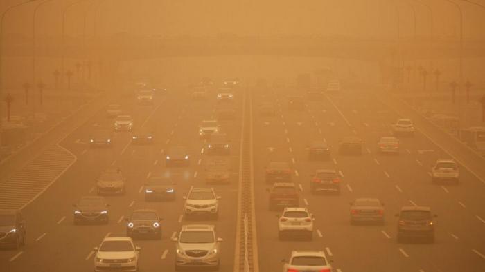 Enormous sandstorm sweeps across Inner Mongolia -   NO COMMENT
