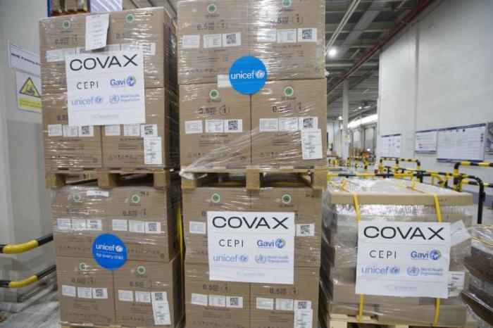 COVAX Azərbaycana vaksinlərin ilk partiyasını göndərdi