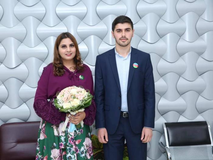 """Pakistanlı qızla evlənən azərbaycanlı gənc:  """"Bizim sevgimiz qarşılıqlıdır"""" - MÜSAHİBƏ"""