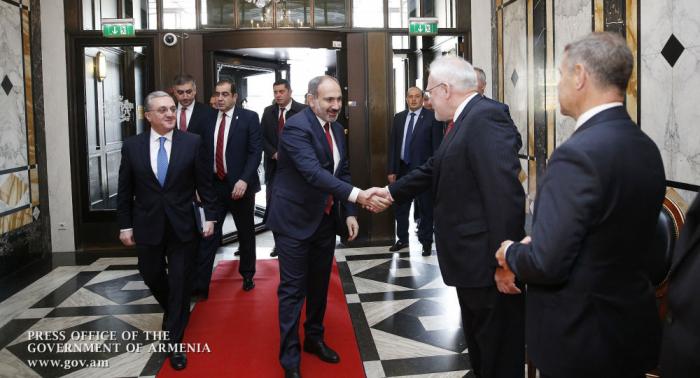 Les coprésidents ont soutenu Bakou sur la question du statut, selon Pashinyan