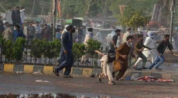 باكستان تحجب وسائل التواصل الاجتماعي