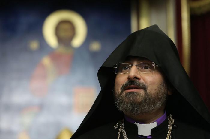 Erməni patriarx 1915-ci il hadisələrinin siyasiləşdirilməsini pislədi