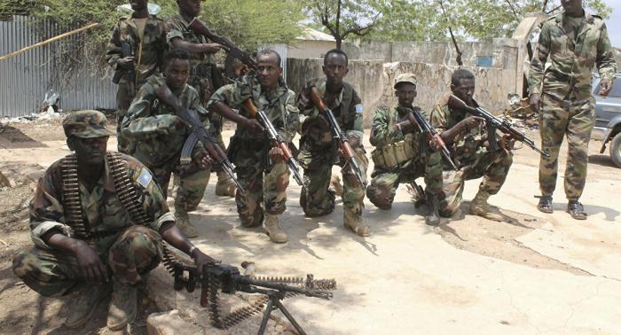 قوات الحكومة الصومالية تشتبك مع أنصار قائد شرطة معزول