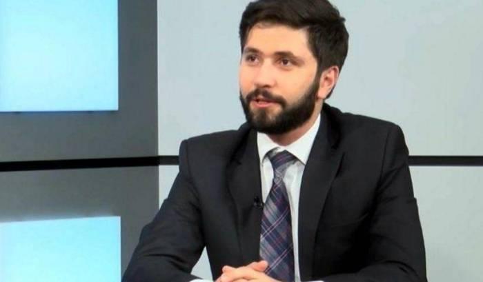 """Erməni politoloq Paşinyanı ittiham etdi:  """"Müharibənin səbəbkarı odur"""""""