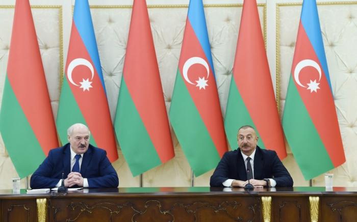 """Lukaşenko:  """"Bu vaksini Azərbaycanla bölüşməyə hazırıq"""""""
