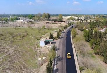 Las carreteras destruidas por los bombardeos de las Fuerzas Armadas de Armenia están siendo restauradas en Tartar