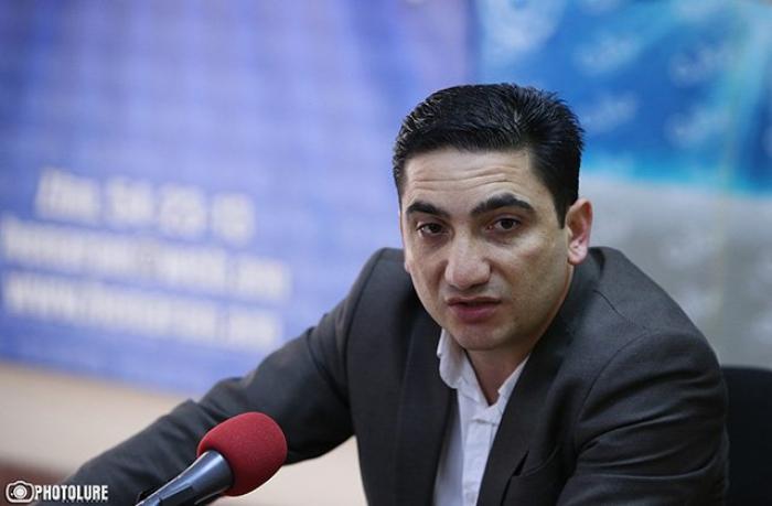 Erməni jurnalist xalqını ikiüzlülükdə ittiham etdi