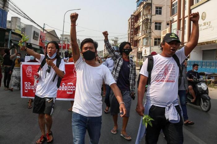 Birmanie: les Nations Unies craignent une guerre civile comme en Syrie