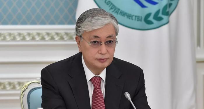 """رئيس كازاخستان يتلقى لقاح """"سبوتنيك V"""" الروسي"""