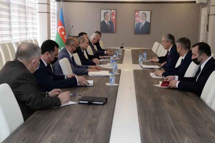 Azerbaiyán y Uzbekistán abordan la cooperación en el campo de la estadística