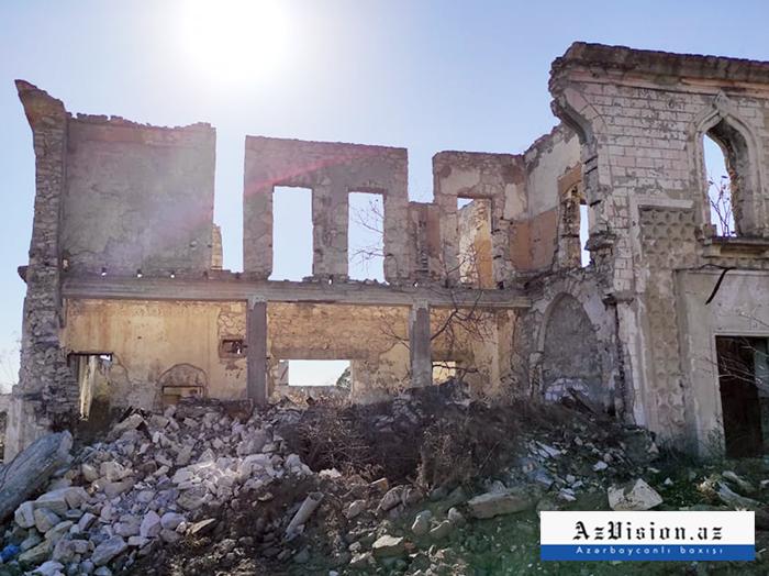 """""""إذا كانت أرمينيا تعتبر أغدام أراضيها ، فلماذا دمرتها؟"""" -   فيتو بتروشيلي"""