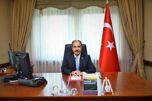 Türkiyənin yeni səfiri işə başladı