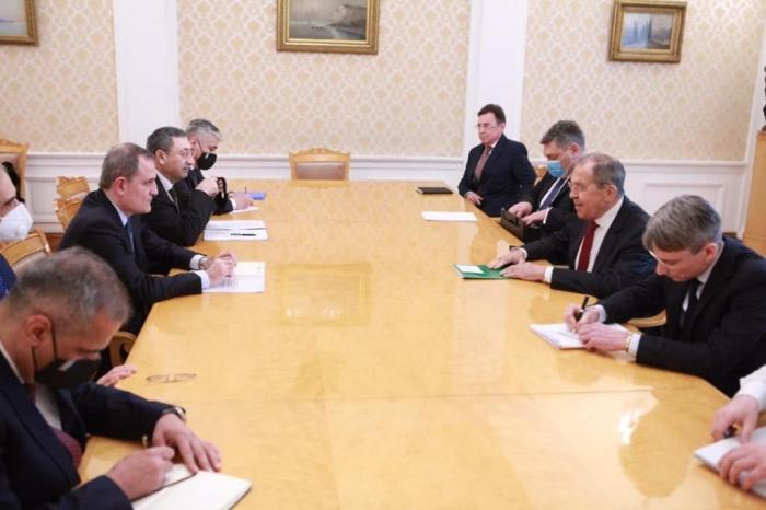 Ceyhun Bayramov Moskvada Lavrovla danışıqlar apardı