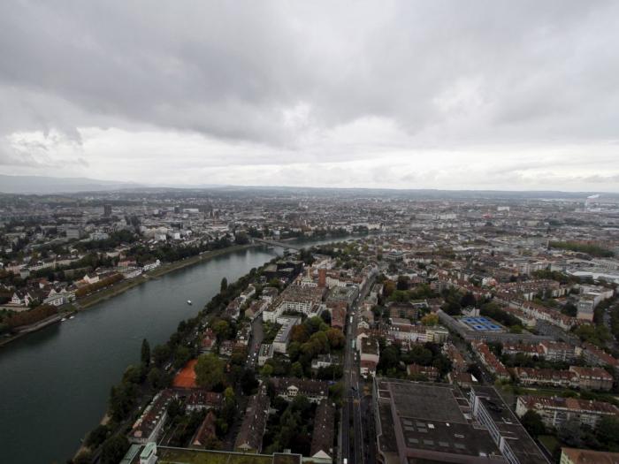 COVID-19: la Suisse sanctionne troislycéens pour avoir falsifié un test positif
