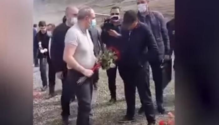 Paşinyana əsgər məzarına gül qoymağa icazə verilmədi -  VİDEO