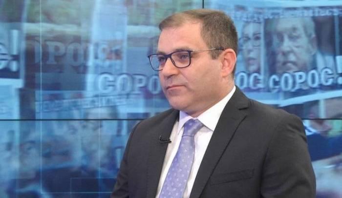 """Ermənistanda Sorosu tənqid edirlər:  """"Onların tanrısı puldur"""""""