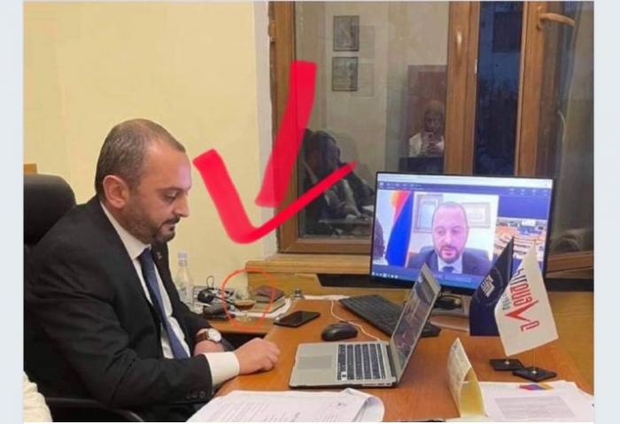 Erməni deputat Avronestin iclasına sərxoş halda qatıldı