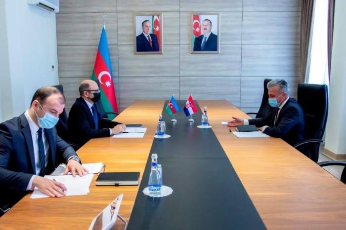 Azerbaiyán y Croacia discuten la cooperación energética