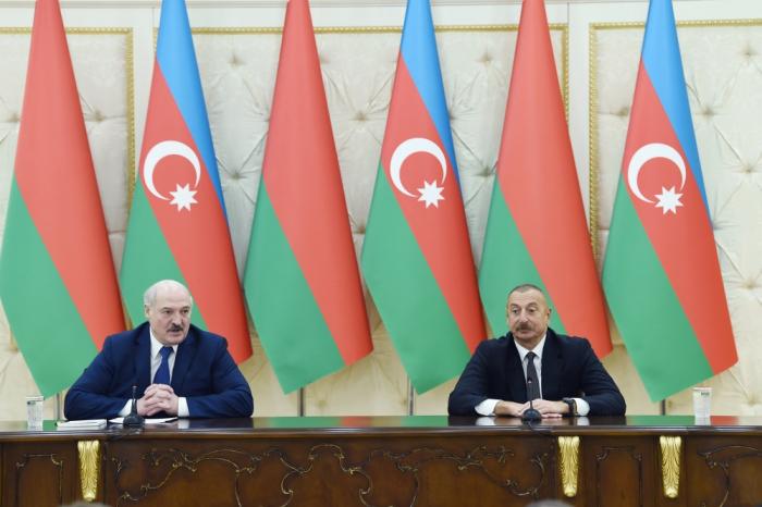 Belarús y Azerbaiyán acuerdan pasar a etapa nueva de cooperación económica