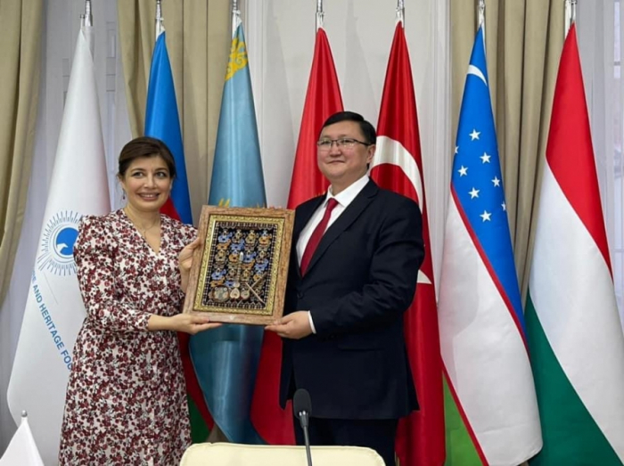 Kyrgyz minister visits International Turkic Culture and Heritage Foundation