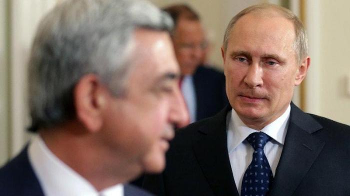 Putin Sarkisyandan incik düşüb