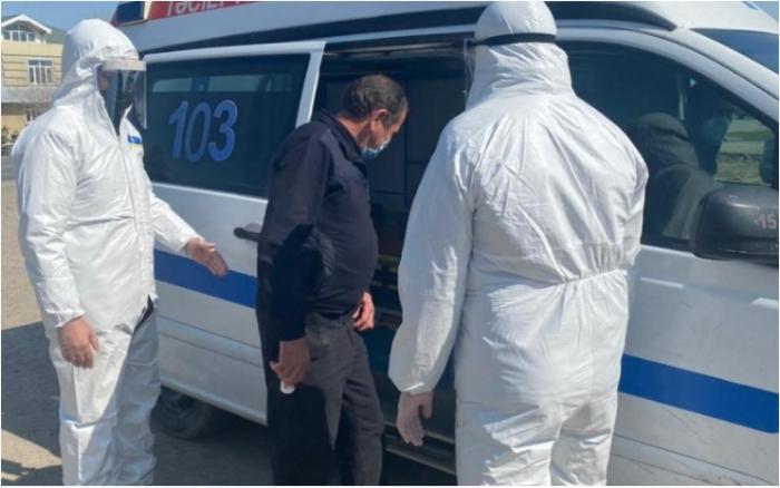 18 koronaviruslu xəstə ictimai yerlərdə saxlanılıb