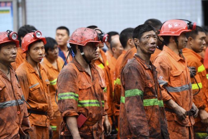 21 personnes bloquées dans une mine de charbon inondée en Chine