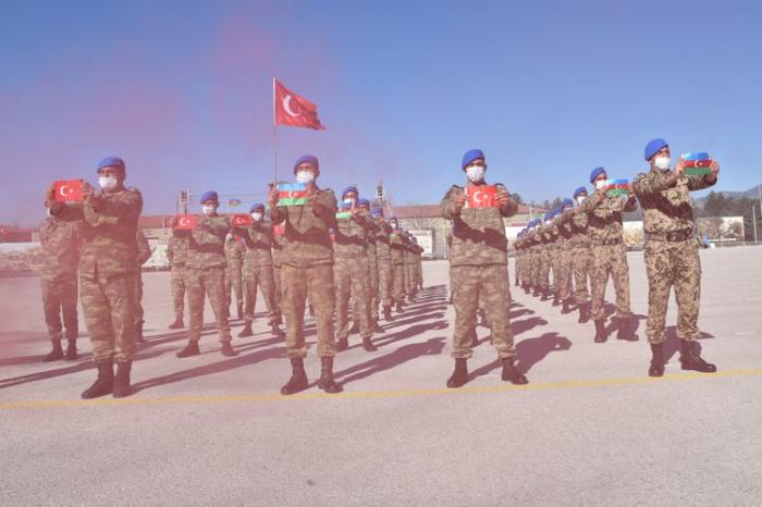 Hərbçilərimiz Türkiyədə komando kursunu uğurla bitirdi -  FOTO