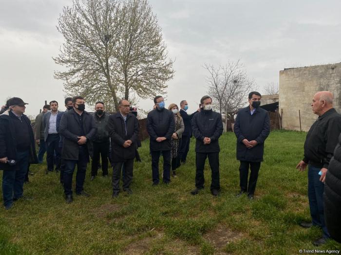 Des représentants du Conseil turc ont visité le cimetièred