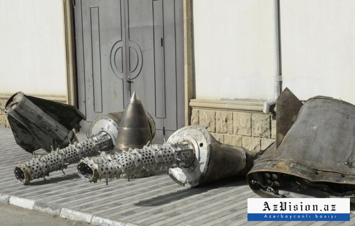 """Bakıda """"İskəndər"""" raketlərinin qalıqları nümayiş etdirildi -    FOTO"""