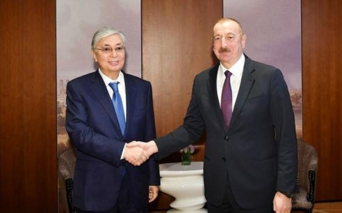 الرئيس الكازاخستاني يتصل إلهام علييف