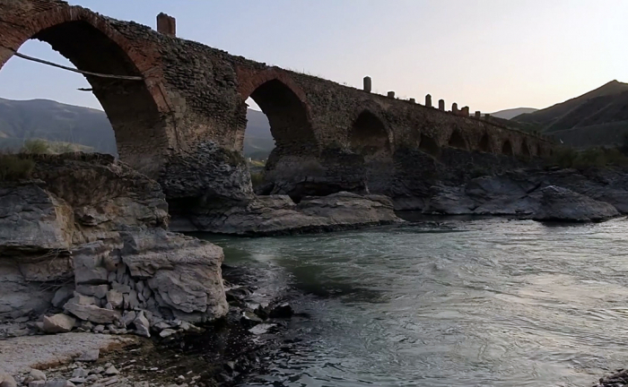 Iran warns Armenia to halt Araz River pollution