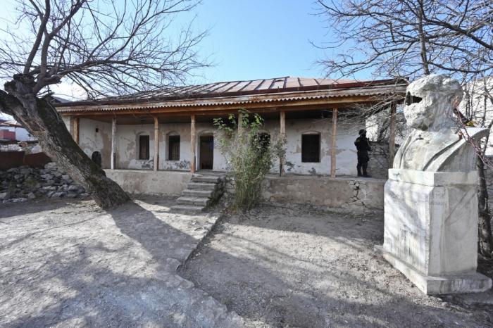 Bülbülün Şuşadakı ev muzeyi və büstü bərpa edilir