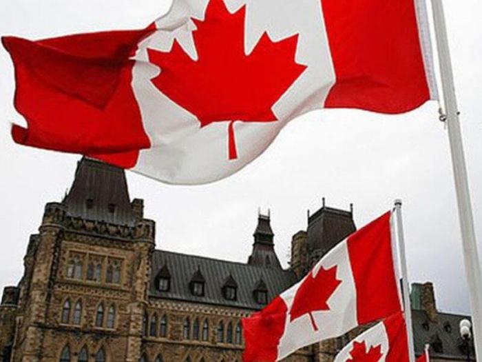 Kanadada 215 uşağın qalıqları olan kütləvi məzarlıq tapılıb