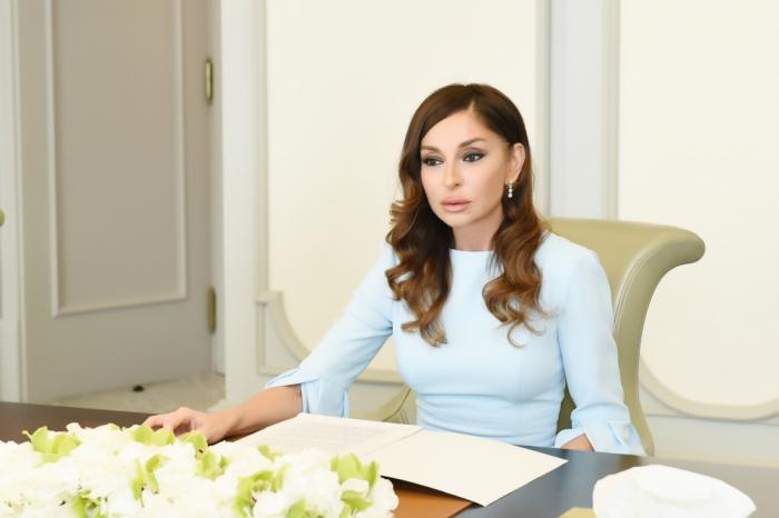 Mehriban Aliyeva gratuliert der orthodoxen christlichen Gemeinde Aserbaidschans