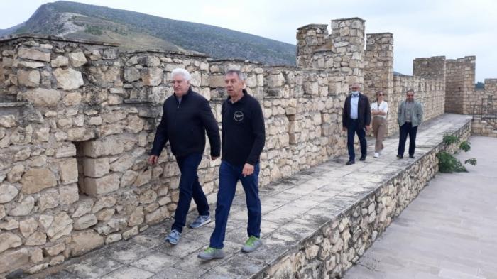 Rusiyadan gələn deputatlar Şahbulaq qalasında -  FOTO