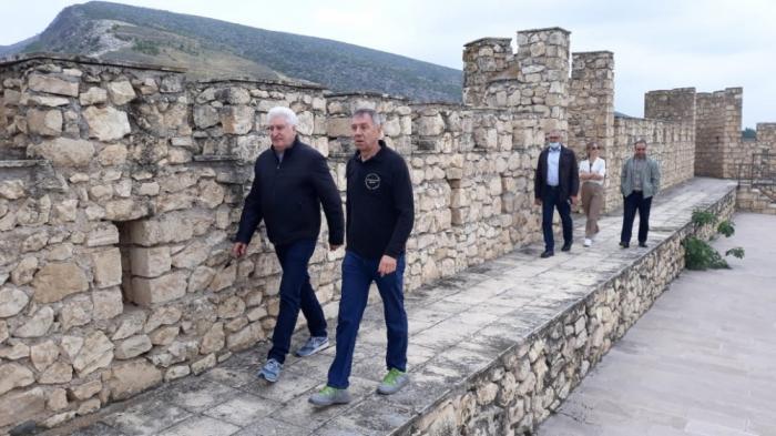 Abgeordnete aus Russland in der Festung Schahbulag -   FOTO