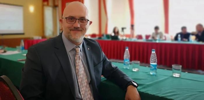 Politólogo:Armenia parece sonreírle a Rusia, pero por otro lado, apuñala en la espalda