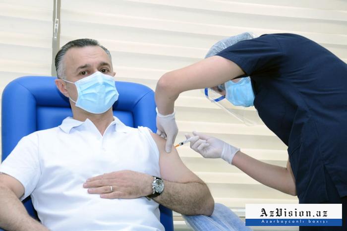Reciben otras 16 988 personas vacuna contra Covid-19 en Azerbaiyán